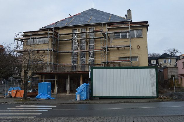 Zchátralé kino ve Vítkově se doslova mění před očima.