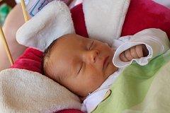 Robin Nytra se narodil 19. srpna 2017, vážil 3,15 kilogramů a měřil 48 centimetrů. Rodiče Nikola a Robert z Bolatic svému prvorozenému synovi přejí hlavně hodně zdraví a spokojenosti.