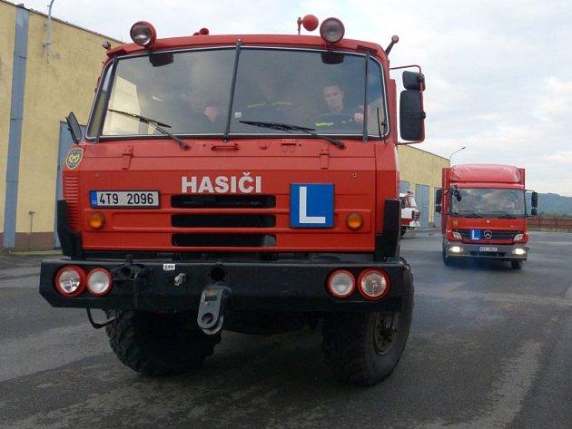 Autoškola pro sbory dobrovolných hasičů z celé České republiky je v Hlučíně v provozu od minulého týdne.