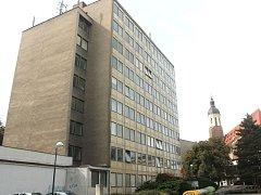 Výšková budova za Slezankou. Ilustrační foto.