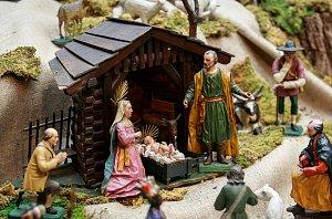 Nastal čas vánoční je název výstavy betlémů ze sbírek Slezského zemského muzea v opavském Domě umění. Dominantou je vyřezávaný dřevěný betlém Josefa Heinze pocházející z první poloviny 19. století.