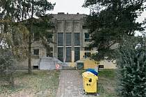 Bývalá mateřská škola se postupem času proměnila v chátrající objekt.