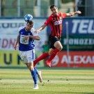 FORTUNA:LIGA Mladá Boleslav – SFC Opava 6:1 (3:1), na snímku Lukáš Pauschek (FK Mladá Boleslav) a Marko Radič (SFC Opava).