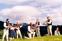 Cimbálová muzika Kotci vystoupí v neděli v pořadu Setkání u cimbálu s lidovou písní.