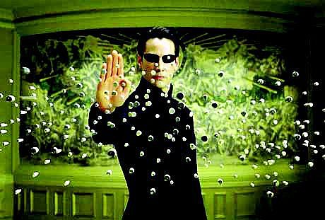 Momentka z filmu Matrix.