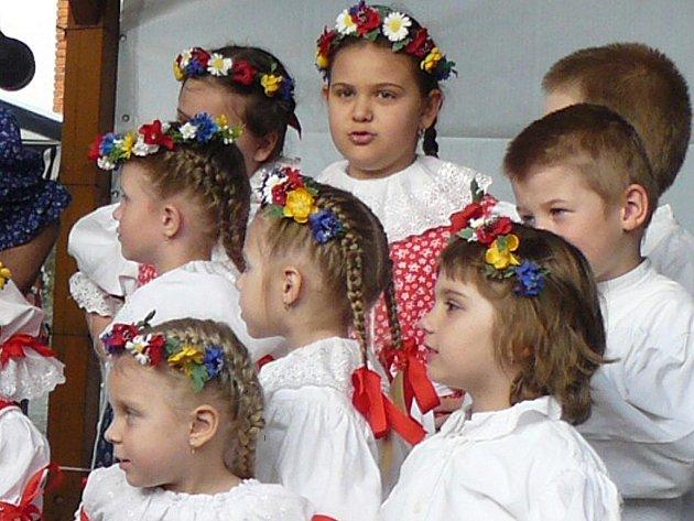 Obyvatelé Bolatic si v pátek užili čarodějnickou a zároveň prvomájovou akci.
