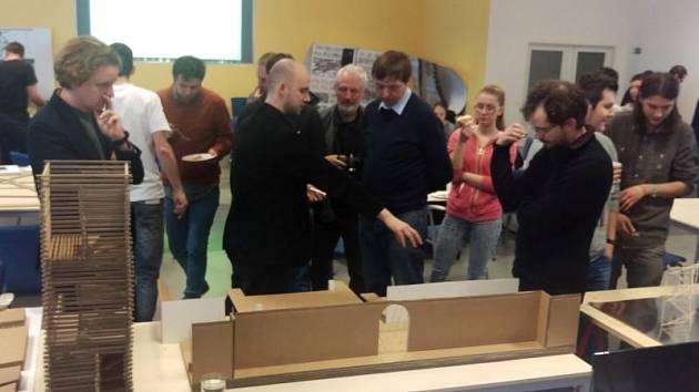 Náměstek primátora Dalibor Halátek si na workshopu vyslechl několik návrhů na architektonickou úpravu města.