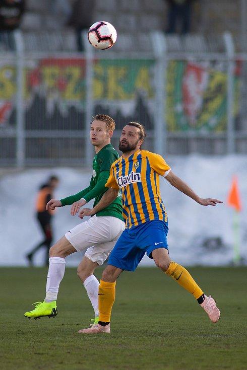 Jablonec nad Nisou - Zápas fotbalové FORTUNA:LIGY mezi FK Jablonec a SFC Opava 17. února 2019. Pavel Zavadil (SFC Opava).
