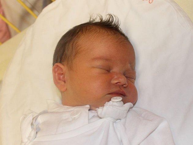 """Nikol Nolčová se narodila 6. října, vážila 3,17 kg a měřila 48 cm. """"Hodně štěstí a zdraví do života,"""" popřáli rodiče Helena a Petr z Karviné."""
