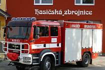 Brumovičtí slavnostně otevřou hasičskou zbrojnici. A to již tuto sobotu. Součástí akce je rovněž předání nové cisternové stříkačky včetně povodňového příslušenství. Akce začíná v 11.30 hodin seřazením hasičů a hasičské techniky u hřiště v Brumovicích.