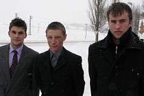 Karatista Jiří Panáček, cyklisté Petr Hampl a Matěj Lasák (zleva) získali ocenění od hejtmana Moravskoslezského kraje.