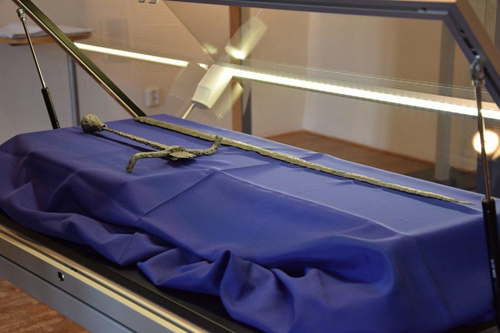 K vidění je v Ratiboři i zlomený meč posledního Přemyslovce Valentina Hrbatého. V září roku 2018 byl exponát zapůjčen i do Muzea Hlučínska.