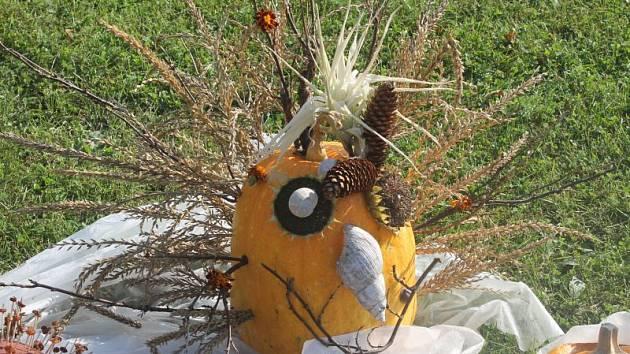 Jednou z typických barev podzimu je oranžová a oranžový byl také víkend v Arboretu Nový Dvůr. Probíhala tam totiž již tradiční akce s příznačným názvem Vyřež/š si svou dýni.