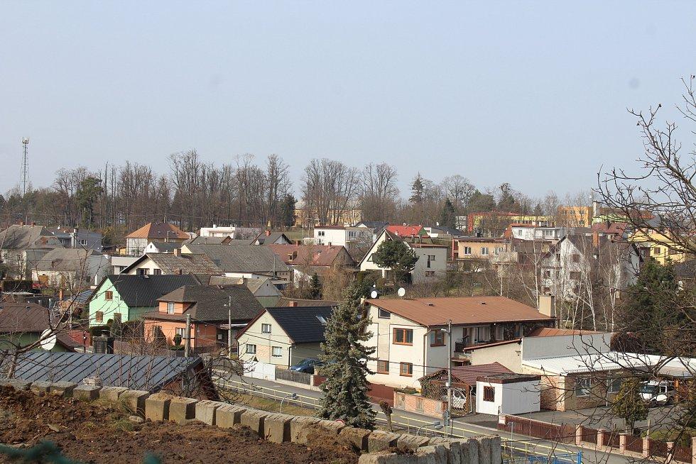 Obec Neplachovice.