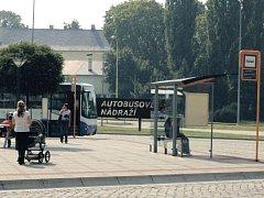 Dopravní situace okolo autobusového nádraží trápí momentálně lidi z Hlučína ze všeho nejvíce.