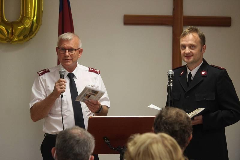 Armáda spásy v Opavě slaví dvacet let své činnosti. Národní velitel AS v ČR Frank Gjeruldsen (vlevo). Opava, 10. září, 2021.