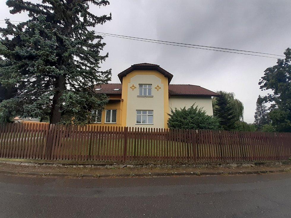 Základní umělecká škola v Háji ve Slezsku.