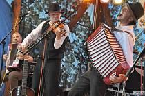 Folklorbeatové uskupení Docuku