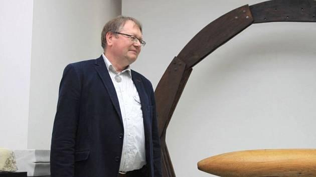 Libor Hřivnáč na své poslední výstavě Sám mezi lidmi.
