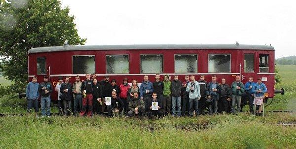 Členové OŽK se vloňském roce nechali zvěčnit při výroční jízdě kdeseti letům klubu ve Svobodných Heřmanicích.