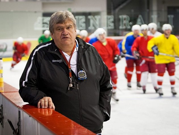První týden tréninků na ledě má za sebou účastník druhé hokejové ligy z Opavy. Slezan rozbil svůj přípravný tábor v nedalekých Kravařích.