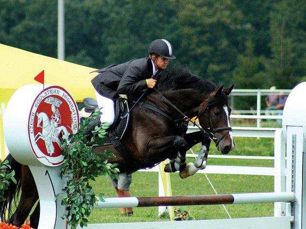 Jan Zwinger na koni Lapentti z domácí stáje zvítězil v soutěži čtyřletých hřebců.
