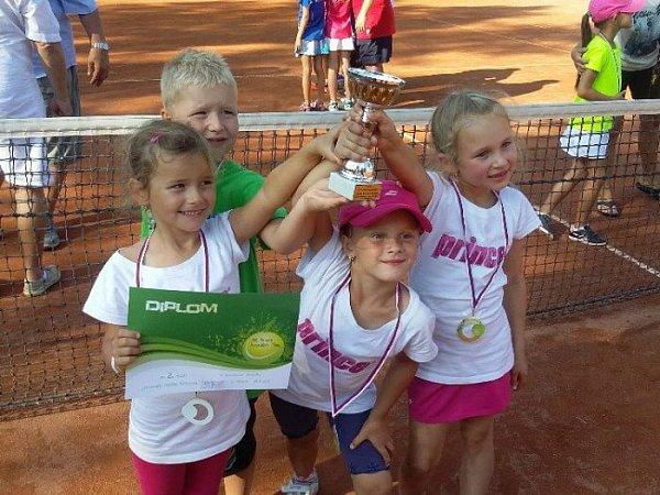 Hradečtí tenisté sbírali úspěchy.