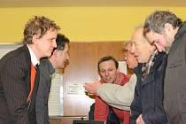 Obyvatelé Kylešovic se před časem sešli s vedením opavské radnice, aby si vyříkali své názory na postavení nového sběrného dvora. Stejné setkání na stejné téma se chystá i 4. října.