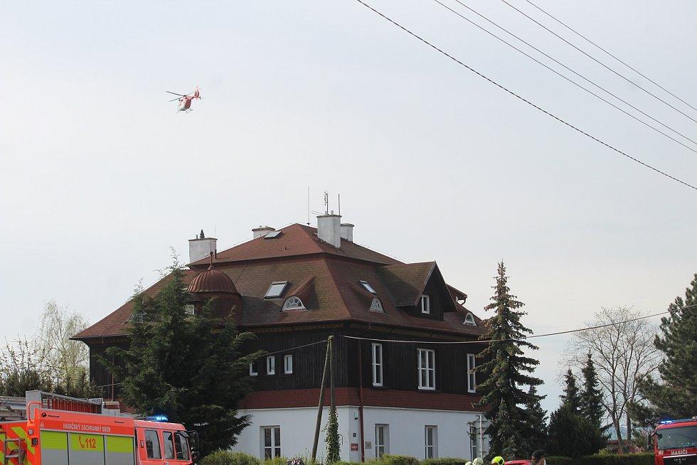 Dopravní nehoda v Hradecké ulici v pátek 30. dubna ráno.