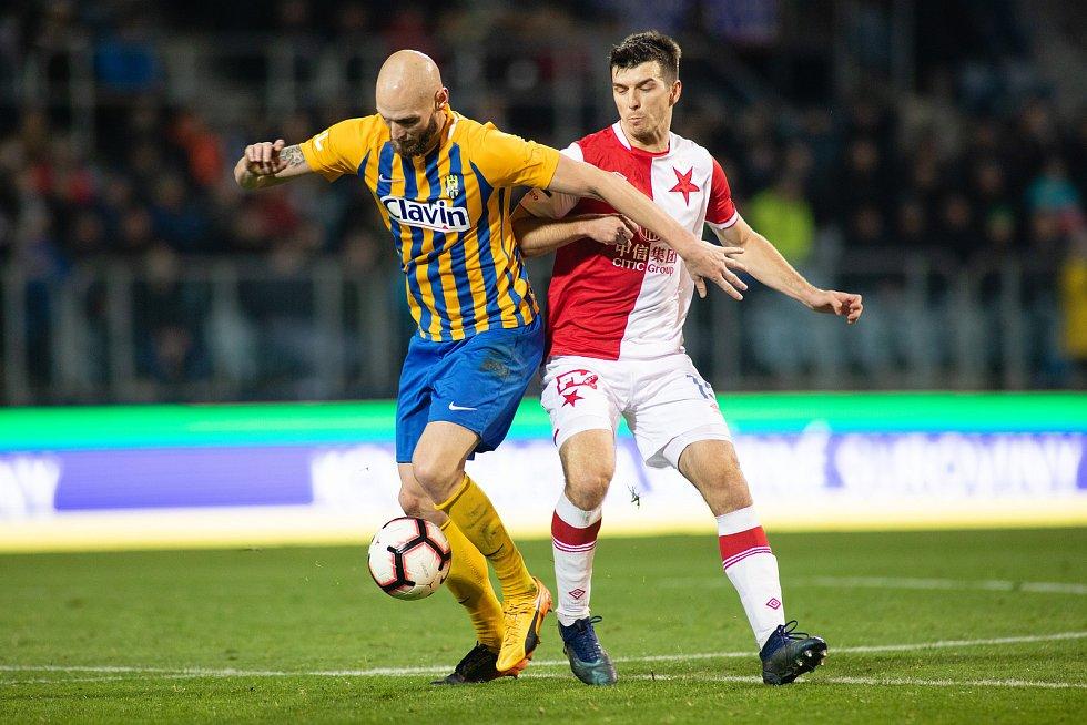 Opava - Zápas 17. kola FORTUNA:LIGY mezi SFC Opava a SK Slavia Praha 3. prosince 2018 na Městském stadionu v Opavě. Tomáš Smola (SFC Opava).