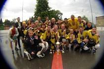 Hokejbalisté opavského Sanitransu vyhráli premiérový ročník Bail ostravské ligy.