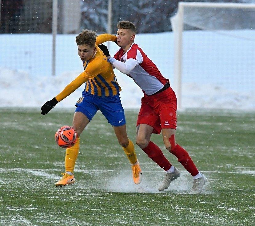 Fotbalisté karlovarské Slavie si drze vyšlápli na omlazený tým ligové Opavy, který porazili v poměru 3:0.