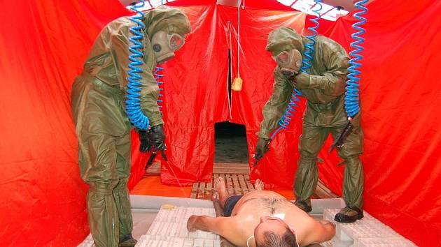 V případě výskytu ptačí chřipky by armáda nasadila vojenské záchranáře a veterináře z Hlučína.