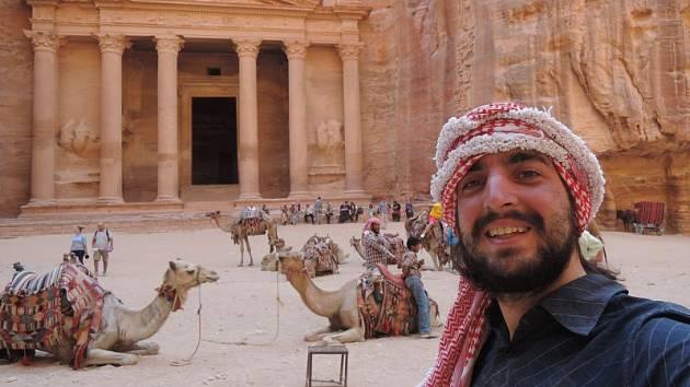 Ve skalním městě Petra v Jordánsku.