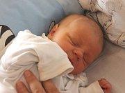 Martin Stoklasa se narodil 27. září, vážil 3,06 kilogramů a měřil 50 centimetrů. Rodiče Michaela a Martin z Horního Benešova svému prvorozenému synovi přejí, aby byl v životě zdravý, šťastný a veselý.