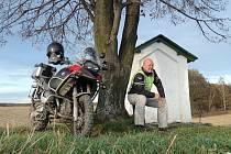 Helmut Šafarčík se svým strojem BMW 1200 GS Adventure při své cestě na Bajkal a zpátky bude muset vstřebat porci 20 000 kilometrů.