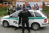 Cizinečtí policisté zkontrolovali přes třicet dělníků.