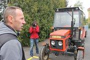 Žáci středních škol v úterý v Opavě otestovali své schopnosti a zjistili, kde je zručnější za volantem traktoru.