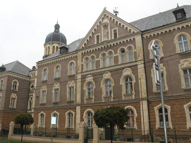 Budova v Rooseveltově ulici slouží jako centrum pro mentálně postižené osoby již více než sto let.