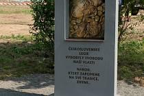 Milostovický Pomník legií budí zaslouženou pozornost.
