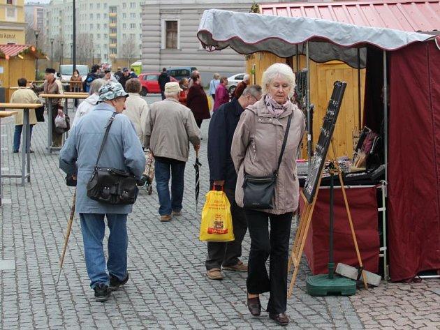 Velikonoční trhy od čtvrtka oživily opavské Dolní náměstí.