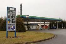Benzinová čerpací stanice v Březové.
