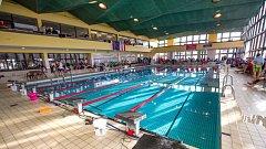 Stávající krytý bazén na Zámeckém okruhu by měl fungovat ještě zhruba dva roky.