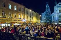 Vánoční trhy na Dolním náměstí v Opavě.