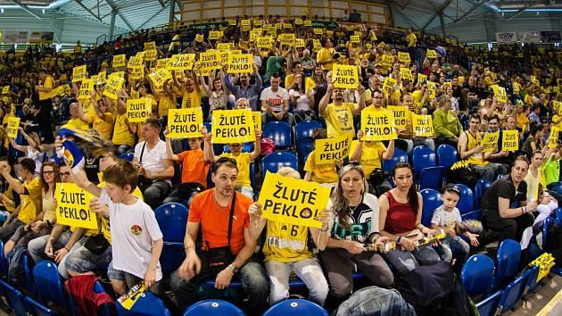 Vrchol sezony je tady. Czudkovo komando jde do boje. Opavské basketbalisty čeká první překážka na cestě za vysněnou medailí,a to celek Olomoucka. Tým kromě vlastních kvalit spoléhá i na pověstné žluté peklo.