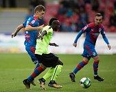 Plzeň - Zápas třetího kola MOL Cupu mezi Viktoria Plzeň a SFC Opava 5. října 2017. Josel Ngandu Kayamba - o