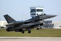 Letadla se občas budou pohybovat velmi nízko, a to až pouhých 300 metrů nad zemí.