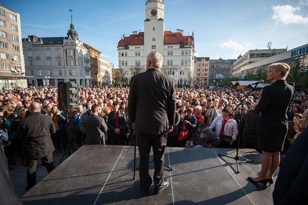 První den vpráci 'jak má být' zažili opavští radní včele sčerstvě zvoleným primátorem Martinem Vítečkem.