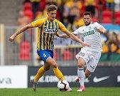 Brno - Zápas 6. kola fotbalové FORTUNA:LIGY mezi SFC Opava a MFK Karviná 25. srpna 2018 na Městském stadionu v Brně. Matěj Helebrand (SFC Opava) a Luboš Tusjak (MFK Karviná).