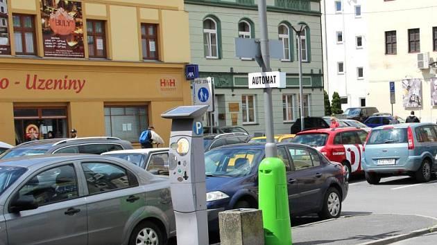 Na parkovišti na Masařské ulici byla zprovozněna první nabíjecí stanice integrovaná do sloupu veřejného osvětlení v České republice.